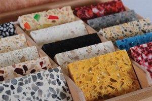 Мраморно — мозаичные полы: характеристики, технология изготовления https://dom-s-ymom.org/stroitelstvo/konstruktivnye-resheniya/pol/betonnyj/mramorno-mozaichny-tehnologiya-izgotovleniya.html  В качестве наполнителя в мраморно-мозаичных полах выступает мраморная крошка. Ее изготавливают путем дробления мрамора, который может быть разного цвета. После этого, мраморная крошка применяется не только для создания полов терраццо, но и для других целей, например создания памятников, мраморного литья…