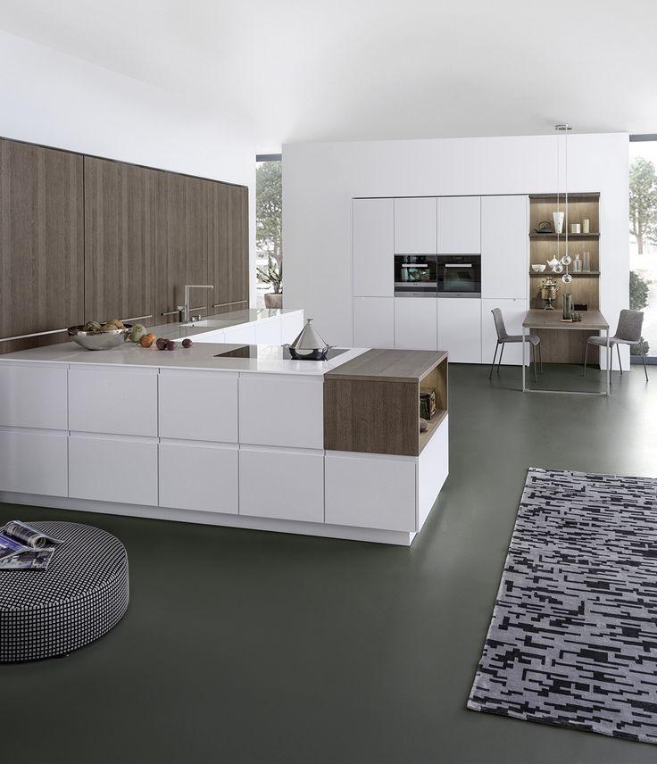 Wildhagen moderne greeploze keuken met kastenwand designkeuken moderne - Keuken licht eiken ...
