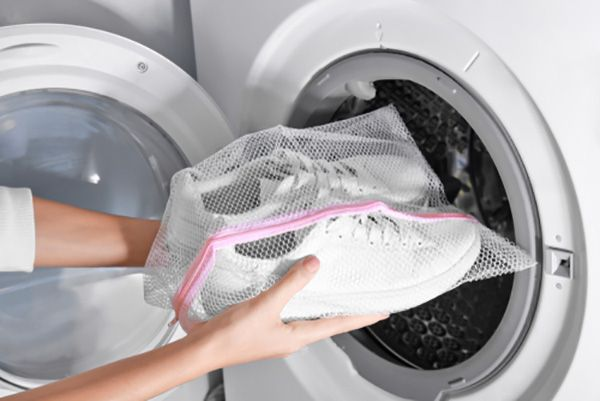 How to Clean Shoes in the Washer HjemmesakerAHSHvordan HjemmesakerAHS How