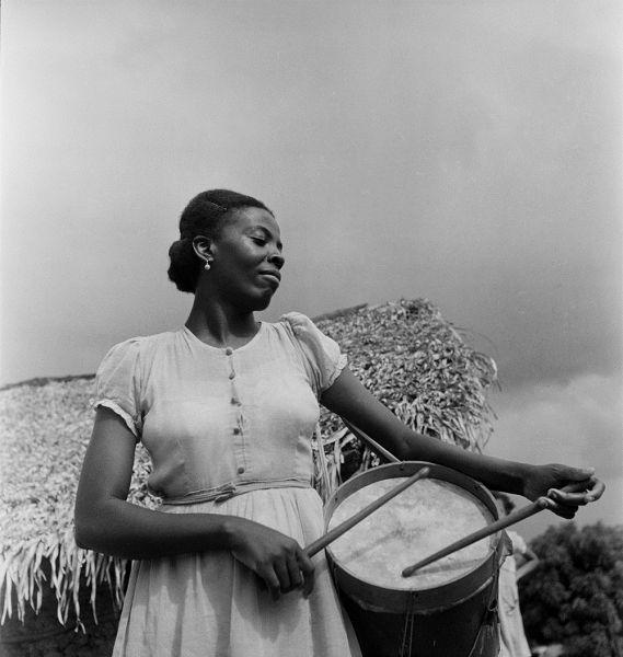 Museu Afrodigital da UFMA - Maranhão (1948) - Caixeira do Divino em São Luís