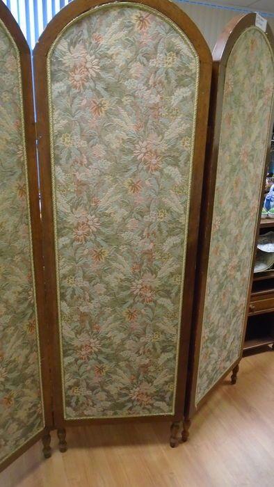 Online veilinghuis Catawiki: Een gebeitst houten 3 slags kamerscherm - met gebloemde stof