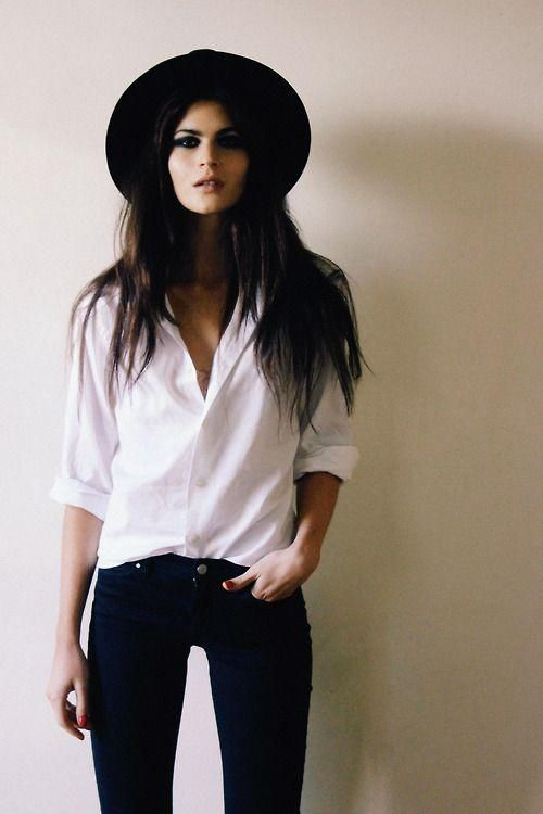 ❤ perfect! - white top, skinny jeans, floppy hat (and the girl has a nice figure too, good motivation haha :) )