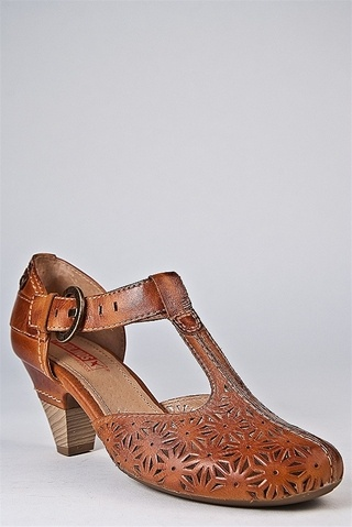 PIKOLINOS Mid Heel Shoe - Cognac My favorite walking shoes are from Spain  and Germany