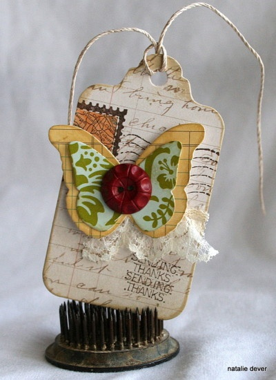 Love the postcard tag. . . butterflies . . . and bits of lace!!!Vintage Flower, Tags Challenges, Tags Ideas, Beautiful Postcards, Postcards Backgrounds, Postcards Tags, Postcards Ideas, Butterflies Tags, Pretty Postcards