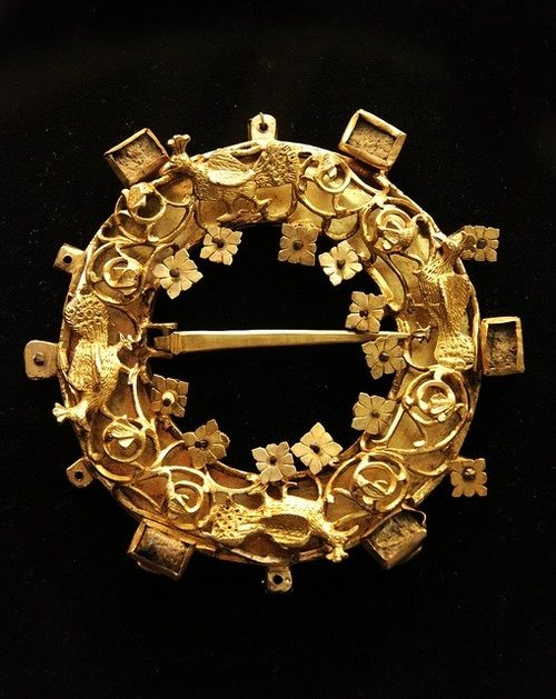 (25) Tumblr - Intricate gold brooch. Hungary, 12th-13th century. Courtesy of the Hungarian National Museum.