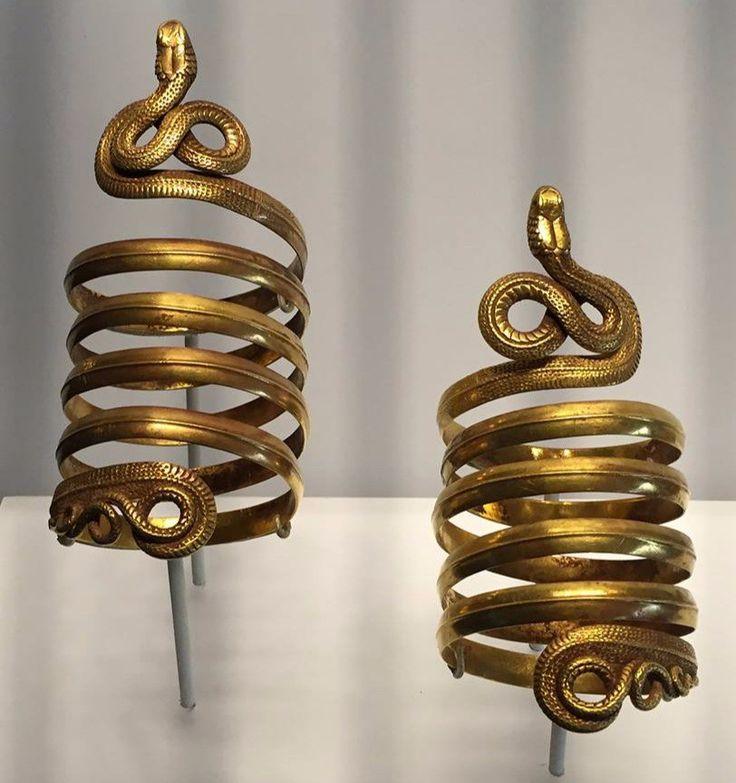 Парные золотые браслеты. Древняя Греция, III-II в. до н.э.