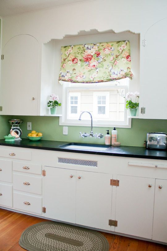 Riahnnon's Jadeite Jewel. BRIGHT white, black counters, minty green paint, brassy hardware.