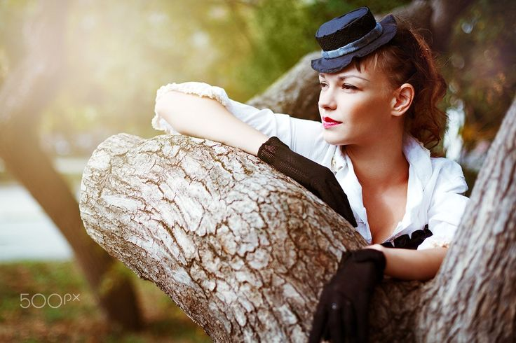Vintage portrait of beautiful woman - Vintage portrait of beautiful woman. Summer, nature.