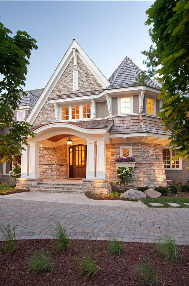 Love the architect of the front entrance of this house. The curved roof line adds an Asian feel to a traditional house. CLICK ON PIN AND LEARN HOW TO MAP PINS WITH YOUR ARCHITECTURE BUSINESS