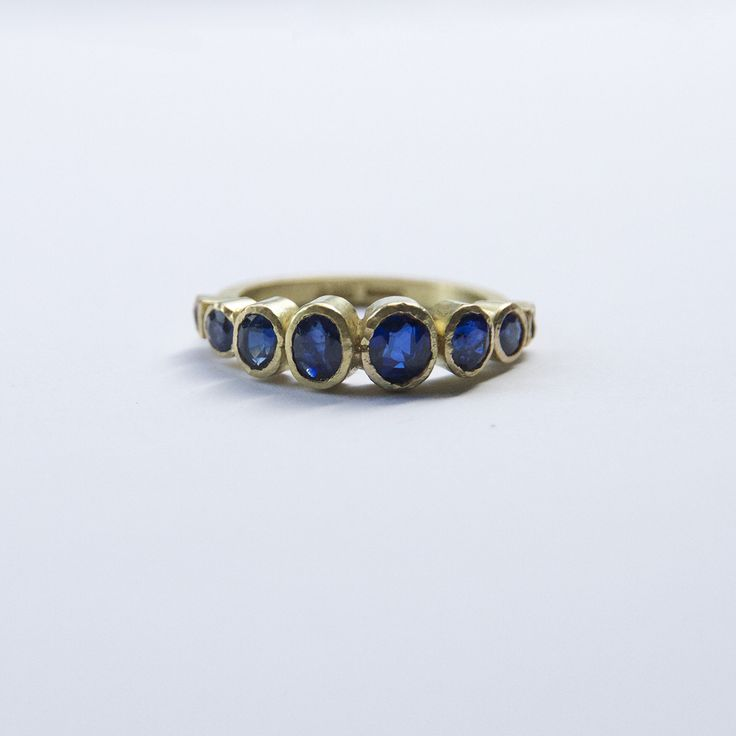 Commission: Exceptional sapphire ring, one of a kind, made with recycled sapphires and gold, from several old pieces of jewellery. If you have old or broken jewellery, why not talk to us about having it reworked into jewellery that you love.