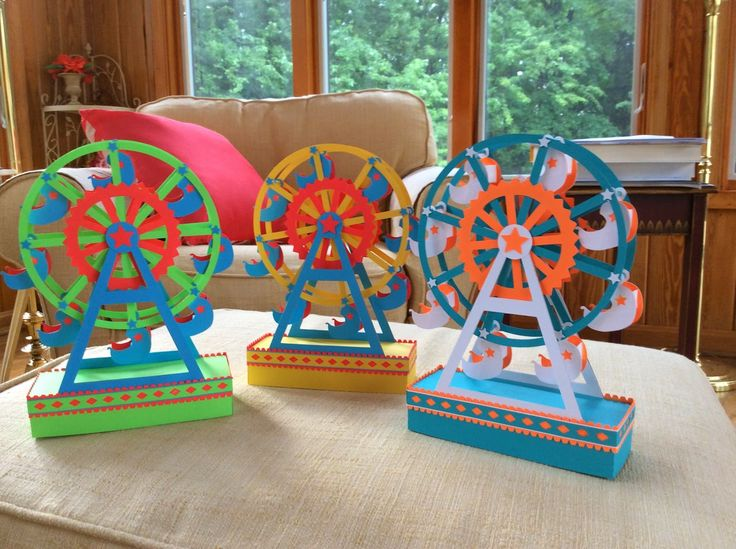 Papercrafts and other fun things: A Paper Ferris Wheel That Really Spins