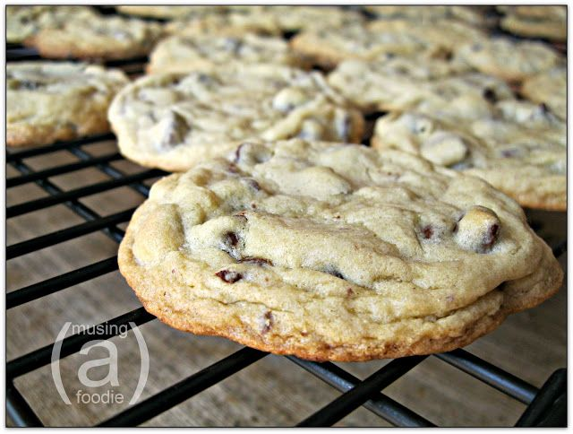 how to make soft and chewy chocolate chip cookies