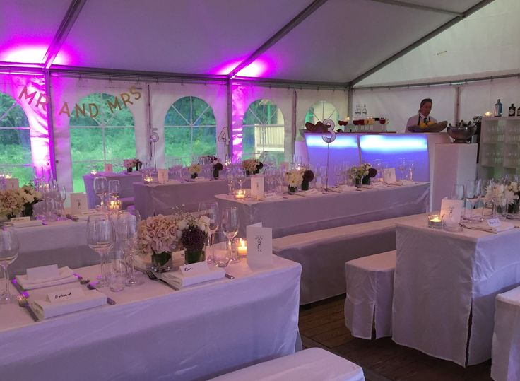 #flashbackfriday what's a #purplerain #wedding without some heavy rain? #setup #Hochzeit #hamburg #catering #weddinglocation #deko #dekoration #tischdeko #Hochzeit #hochzeitslocation #mrandmrs #allwhite #fbf #weekend