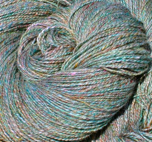 A wonderful tutorial on spinning a tweed yarn -- Finished Tweed by afranquemont, via Flickr