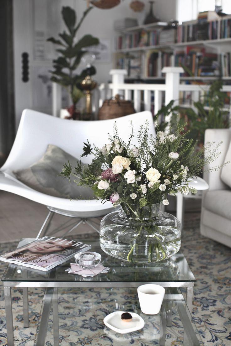 The decor adds so much interest to the room. | Deloufleur Decor & Designs | (618) 985-3355 | www.deloufleur.com