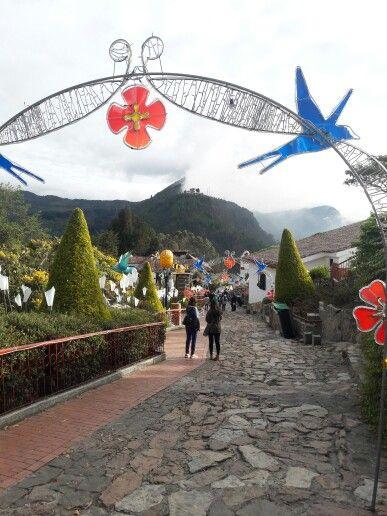 Bogotá - Monserrate, vista al cerro de Guadalupe.