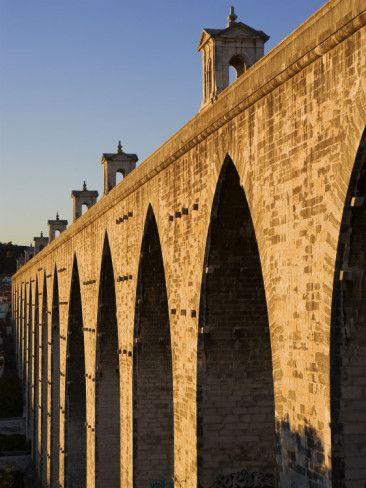 Aqueduto Das Aguas Livres at Campolide, Alcantara Valley, Lisbon, Portugal
