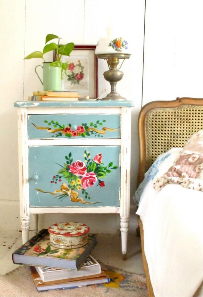 floral painted furniture. such a sweet little bedside table floral furniturepainted painted furniture d
