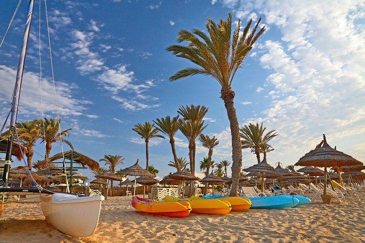 Bilete de avion Chisinau - Djerba (DJE), Tunisia. Rezerva online