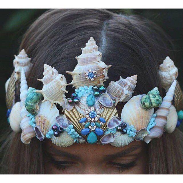 WEBSTA @ thenakedtiger -  mermaid crown @chelseasflowercrowns                                                                                                                                                      More