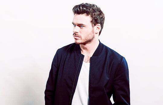 https://i.pinimg.com/736x/46/e3/7a/46e37add56b7b6a0876bebb9be5245e0--richard-madden-man-candy.jpg