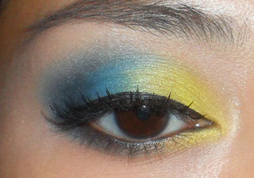 Canary-Yellow and Navy Eye (120 Palette) - This is a look created using 3 main colors: A matte primary yellow, a rich royal blue, and a black.