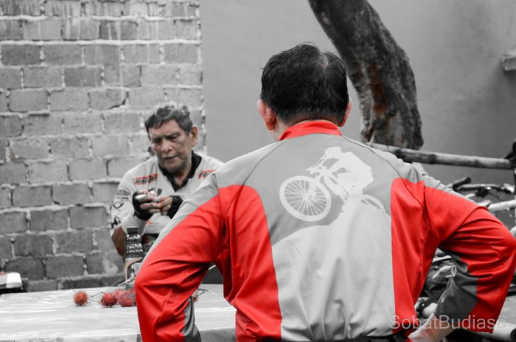 Selective Color mode on Nikon di Jalur Pipa Gas Mtb Park Lengkong BSD. post by http://eben3d.blogspot.com