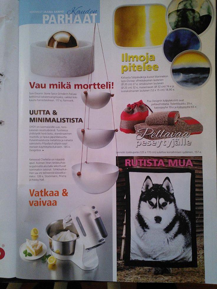 Here is a page of Oma koti magazine. They chose the best products of this season. Pisa Design's linen towels and linen pouch are on the right column. October 2013.  Oma koti -lehti valitsi Kauden parhaat -koosteeseensa Pisa Designin pellavapyyhkeet ja -pussukan. Lokakuu 2013.