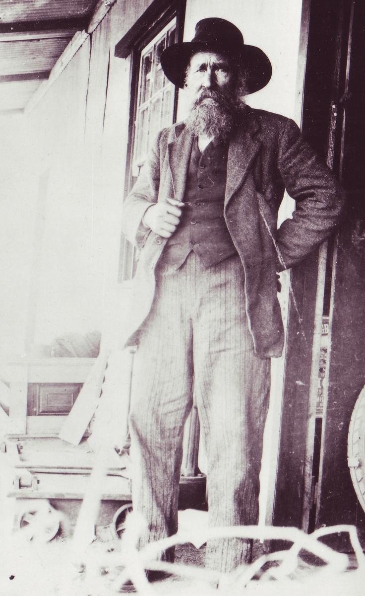 """This Day in History: The """"Soothsayer"""", Siener van Rensburg, dies http://dingeengoete.blogspot.com/ http://nuwegeskiedenis.co.za/wp-content/uploads/2012/02/TAB-33103-NJ-van-Rensberg.jpg"""