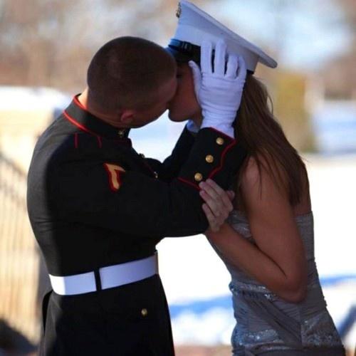 Awwwww! I want a military man lol