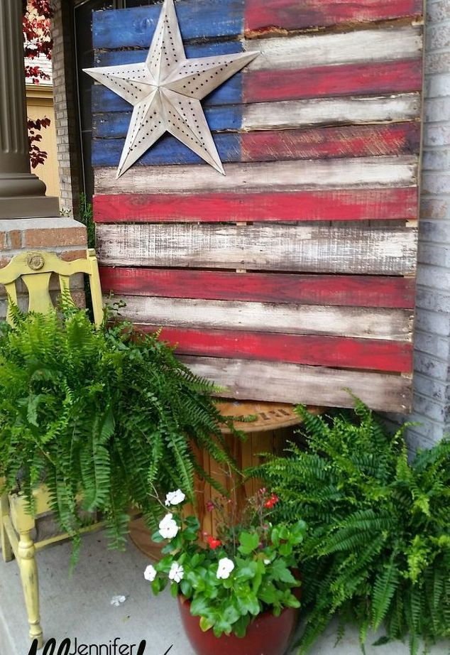 DIY Rustic  Reporposed wood Farmhouse Porch Americana Flag ! (easy pallet project)