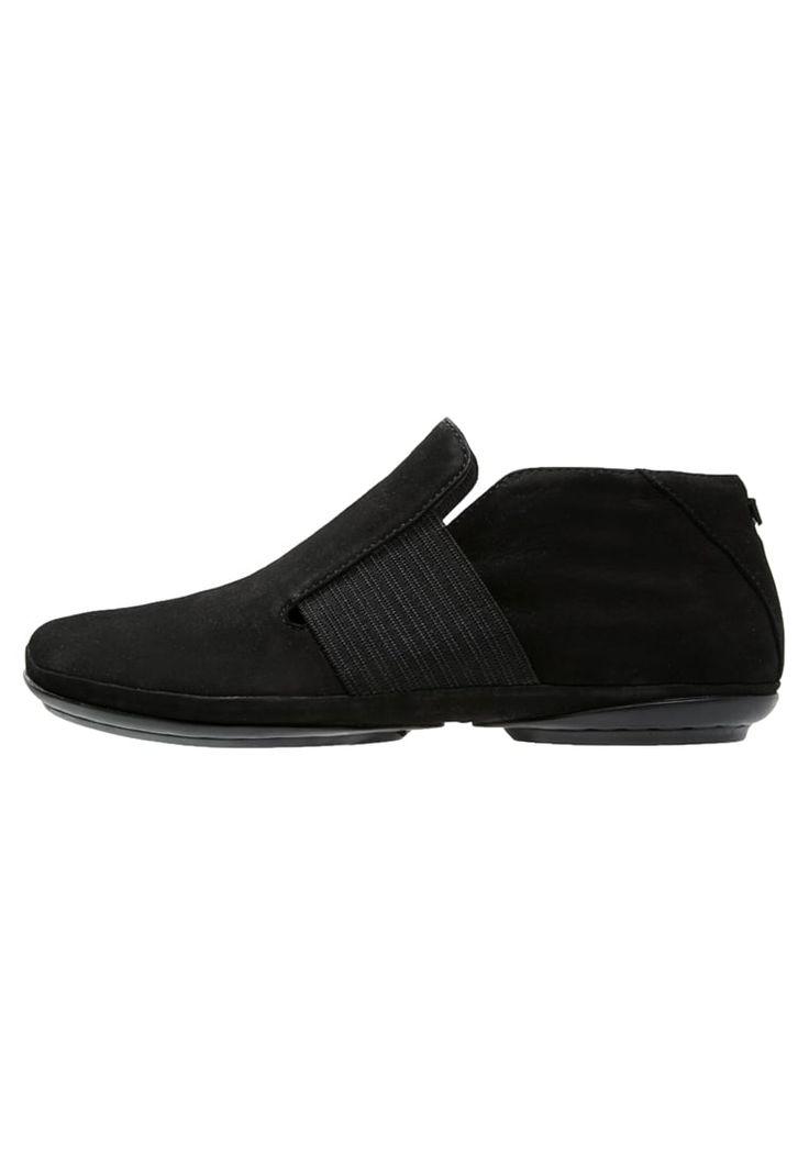 Enkellaarsjes Camper RIGHT NINA - Korte laarzen - black Zwart: 124,95 € Bij Zalando (op 27/04/16). Gratis verzending & retournering, geen minimum bestelwaarde en 100 dagen retourrecht!