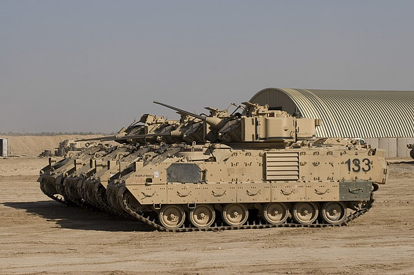 US Army M2M3 Bradley Fighting Vehicle