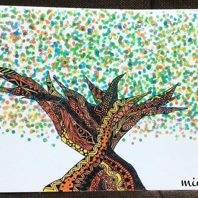 【michy.art】さんのInstagramをピンしています。 《今年最後の作品 『marugaju』 今年作品を見てくれた 方々 コメントくれた 方々 いいねをしてくれた 方々 みんなにとって2017も 笑顔溢れる年になりますように✧‧˚ #okinawaart#graffiti#originalart#okinawan#character#picture#colorful#tree#sea#surfboard#surf #沖縄楽描き#色紙#オリジナルイラスト#色鉛筆 #海#シーサー#ハイビスカス#波#ヤシの木#スケッチブックに#自由人#趣味#お絵描き#沖縄#カラフル #ガジュマル#なんくるないさ#michiworld》