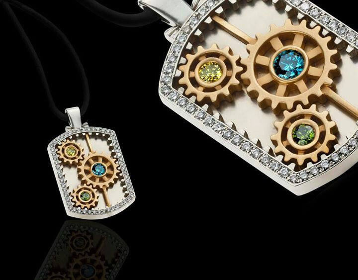 Spectacular Pendants from Novo Hombre