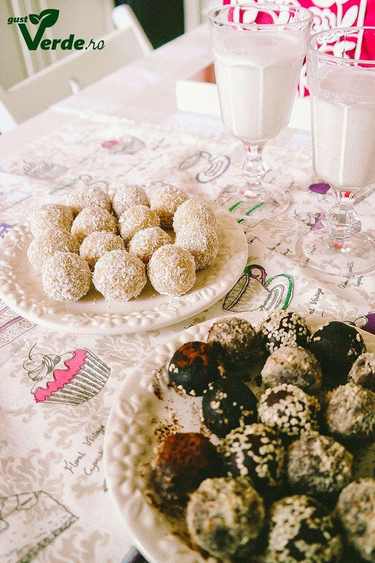 Gust Verde: RAW VEGAN: Bomboane delicioase de caju si cocos (fara zahar)