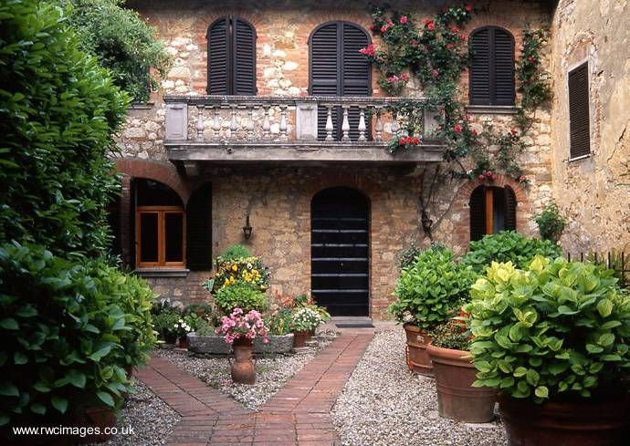As 25 melhores ideias de interiores de casas bonitas no for Fachadas de casas modernas en italia