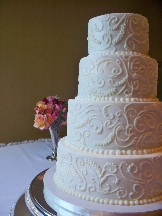 swirl wedding cake out of buttercreme wedding cakes embossed handpiped 20703