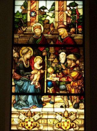 Título: La adoración de los Reyes Magos Autor: Guillaume de Marcillat Lugar: Catedral de Cortona Siglo: XVI
