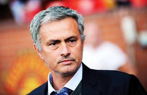 man united football coach