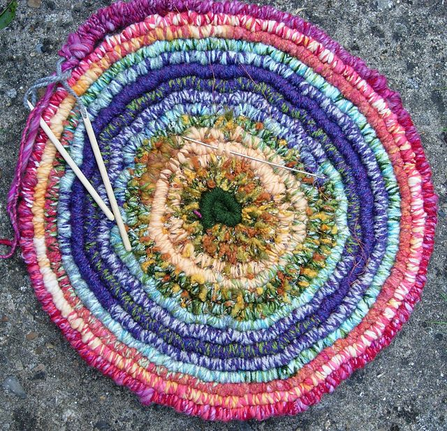 Suz Weavingmehome S Autumn Leaves Round Spiral Weaving Stick Rug Peg Loomweaving