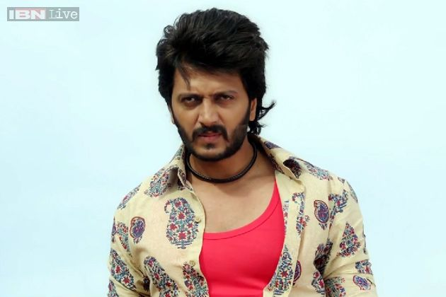 LAI BHAARI: Great masala movie, with some maharashtrian tadka... Riteish Deshmukh at his best in the second half of the movie... ;)