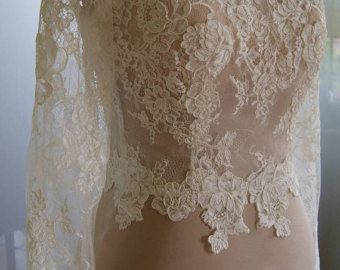 Wedding bolero-jacket with lace short sleeve alencon . by TIFFARY