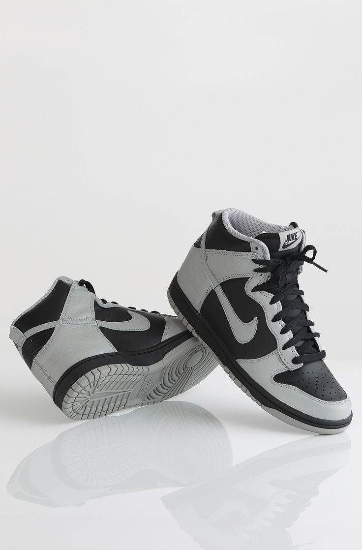 Nike Dunk High kengät Black/Medium Grey 99,90 € www.dropinmarket.com