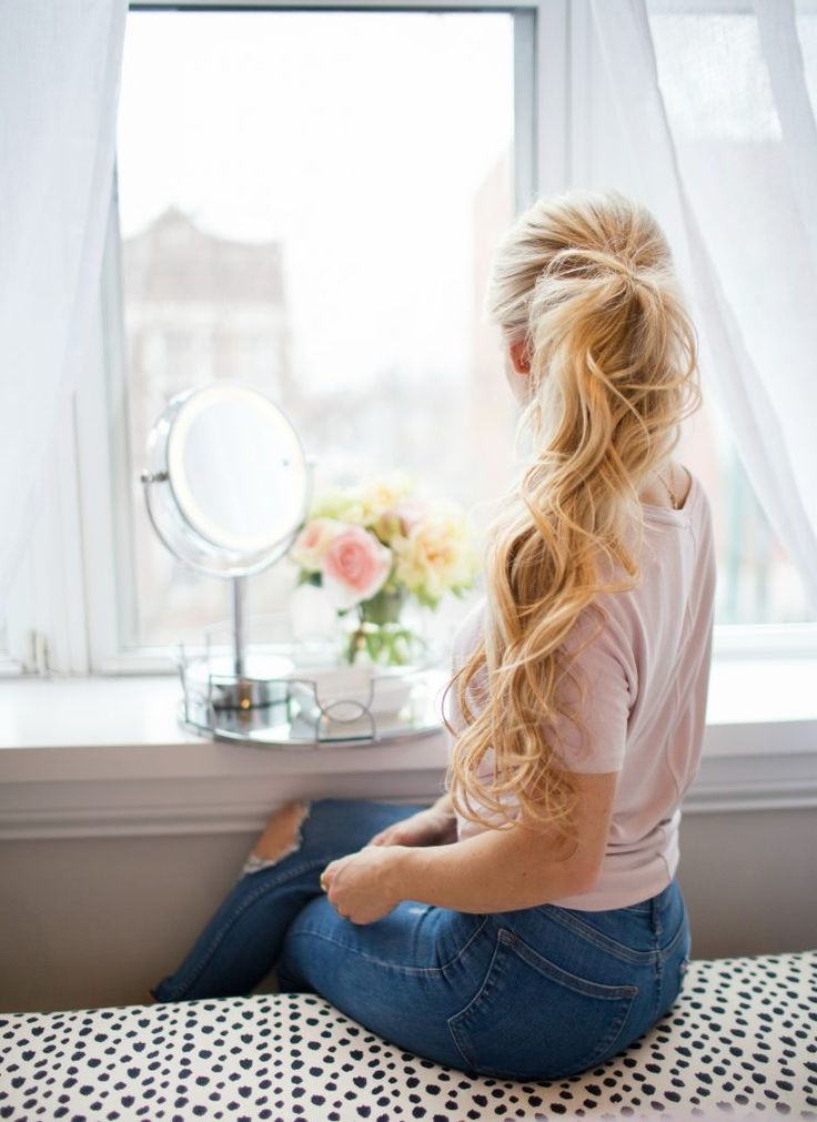 Curly ponytail - OliviaRink.com