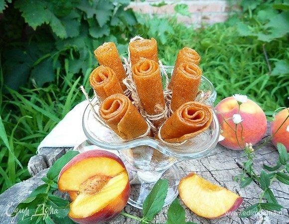 Пастила из персиков. Ингредиенты: персики, лимонная кислота, мед