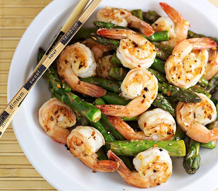 Γαρίδες. Συνταγή για ένα ελαφρύ και νόστιμό πιάτο, ιδανικό για δίαιτα. Γαρίδες και σπαράγγια με σάλτσα λεμόνι. Δοκιμάστε το...