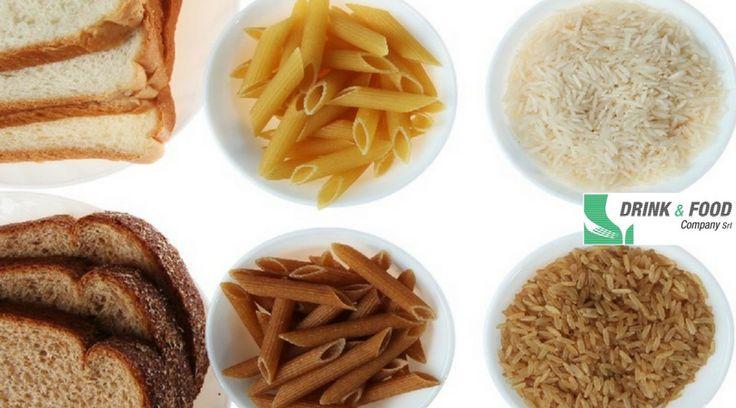 🍝   Consigli per vivere meglio.  1. Scegli i carboidrati giusti.  I carboidrati semplici come lo zucchero e la farina bianca vengono assorbiti molto rapidamente dal sistema digestivo.  Consumali con moderazione. I carboidrati complessi, d'altro canto, come farina integrale, ortaggi, avena, e cereali non lavorati come il riso integrale, vengono digeriti più lentamente. Questi cibi sono solitamente più ricchi di vitamine e altri nutrienti utili per il corpo, e contengono più fibre (cosa che…