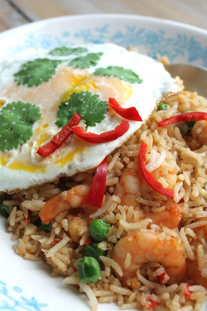 Thaise nasi met garnalen en koriander eitjes