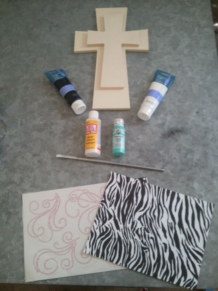 accent crosses to put on crafts | Connoisseur of Creativity: DIY Stackable Wooden Crosses